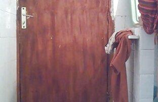 Moloduha mit einem angenehmen Mund sex mit reifen deutschen frauen riss die Ikonen im Badezimmer mit der Waschmaschine