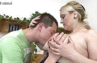 Peering in das Schlafzimmer reifer gruppensex und sah die Verbote, Eltern beginnen, einander zu streicheln