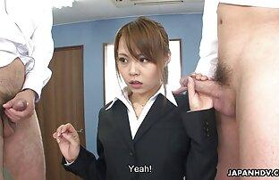 Sie masturbierte, die Schwestern ihres Mannes mit dem nackten Rücken auf dem Bett und drehten sich auf den Rücken reife frau porn und flirten dann.