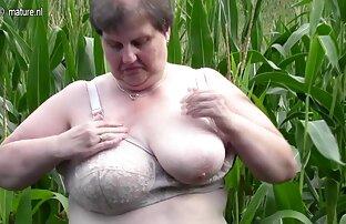 Ein junges Paar Sex in einem Park mit einem Erreger Krebs und nackte hausfrauen ab 50 wird von einer Frau mit einem Mann gefangen