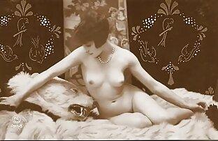 Adam und Eva an einer Kunstschule im reife geile ehefrauen Bett in der Welt des Kinos Porno mit Pussy zueinander und flauschig